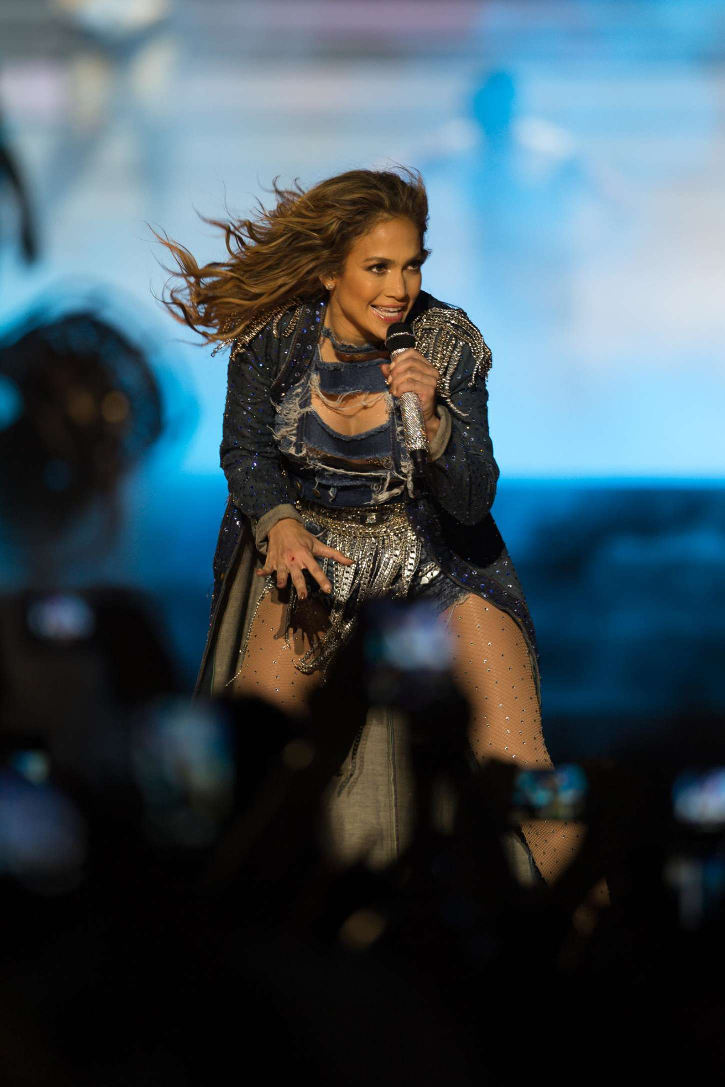 Jennifer lopez performs live in dubai 31 gotceleb Where does jennifer lopez live