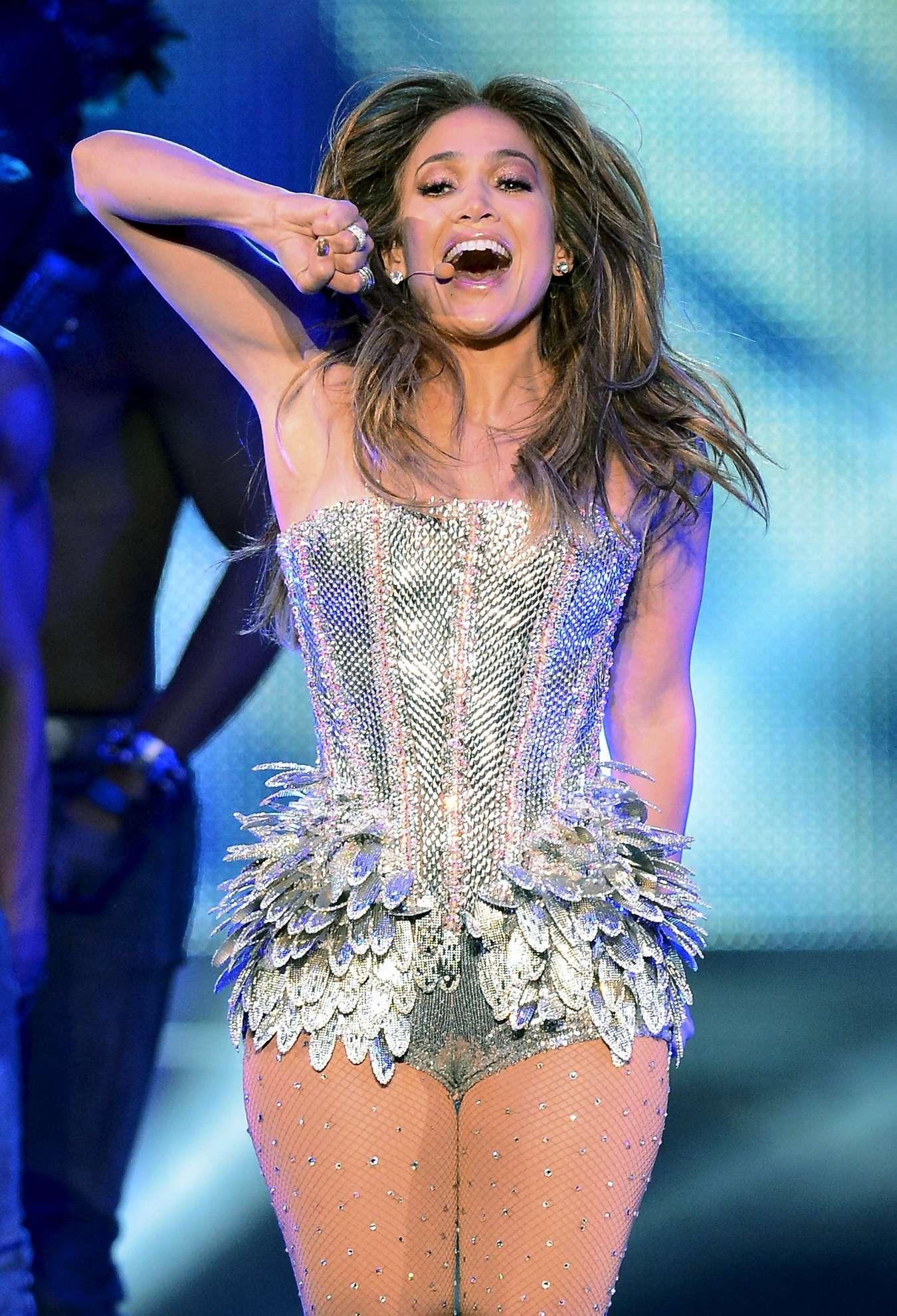 Jennifer Lopez Hot Photos On Stage 11 Gotceleb