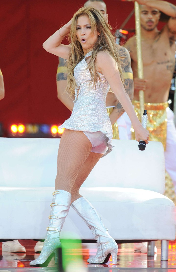 Jennifer lopez performs live on good morning america 07 Where does jennifer lopez live