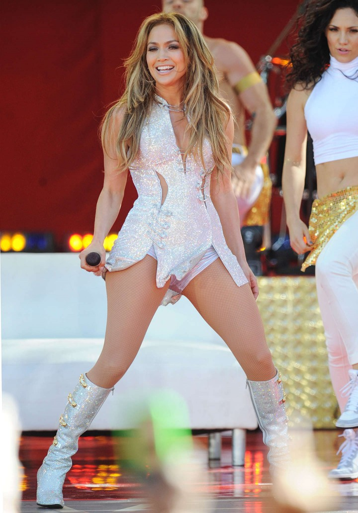 Jennifer Lopez Performs Live on Good Morning America in NYC