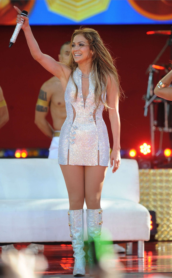 Jennifer lopez performs live on good morning america 44 Where does jennifer lopez live