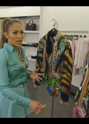 Jennifer Lopez - Shopping at Versace Store in Beverly Hills