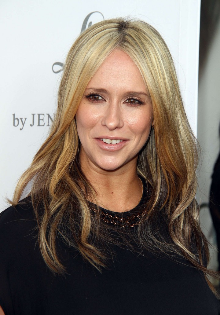 Jennifer-Love-Hewitt:-A-Pea-In-The-Pod-L
