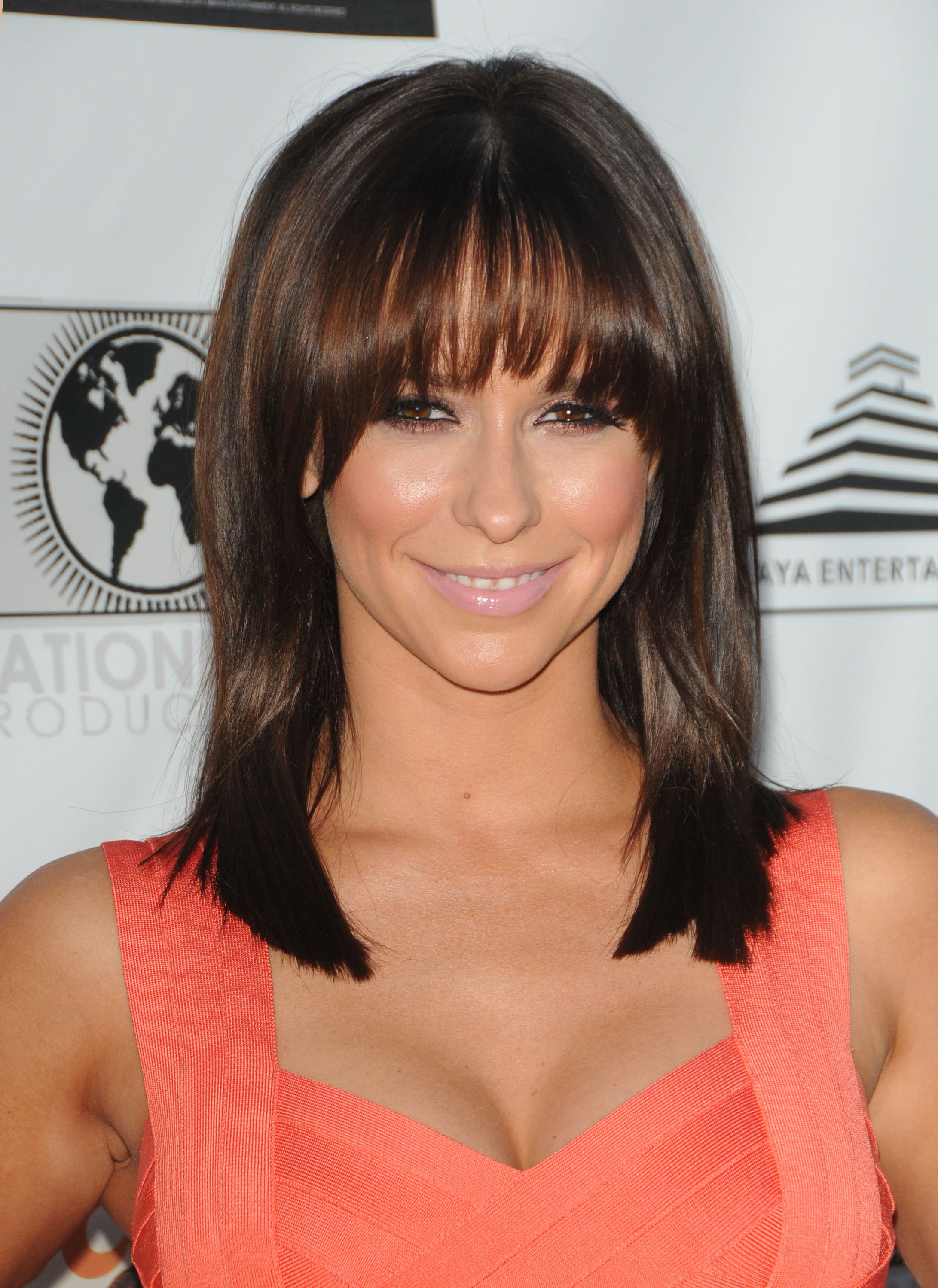 Jennifer Love Hewitt 2011 : Jennifer Love Hewitt In Hot Orange Herve Leger dress-01