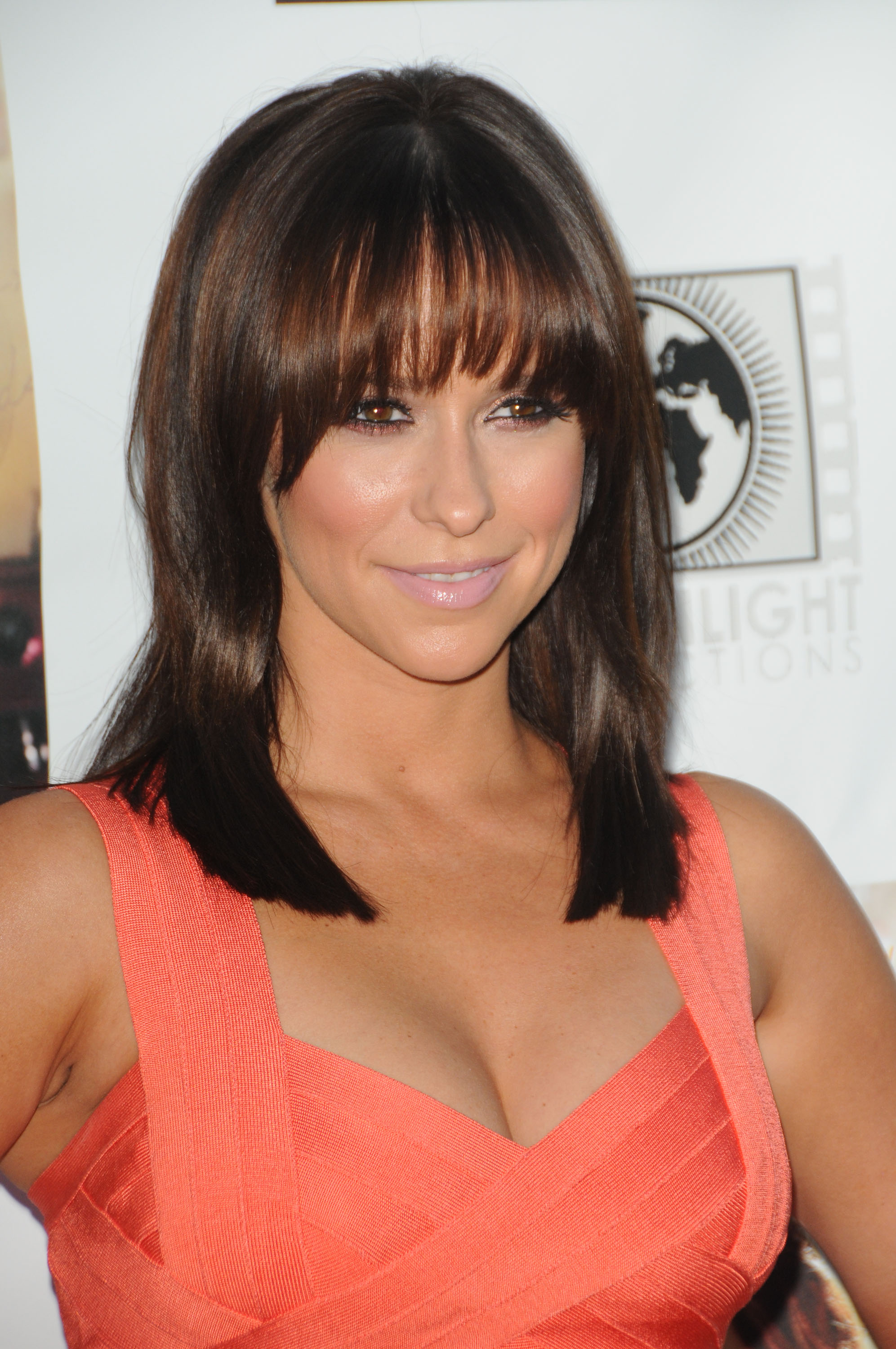 Jennifer Love Hewitt 2011 : Jennifer Love Hewitt In Hot Orange Herve Leger dress-02