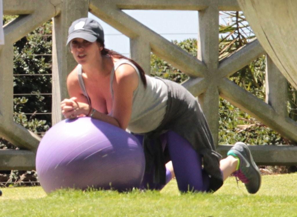 Vanessa hudgens vs katy perry rd 1 jerk off challenge - 3 part 9
