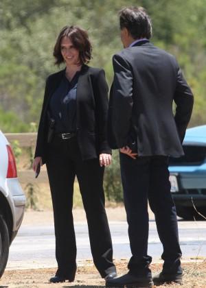 """Jennifer Love Hewitt filming """"Criminal Minds"""" in Los Angeles"""