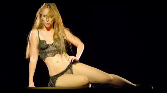 Jennifer Love Hewitt - I Am Woman music video caps -36