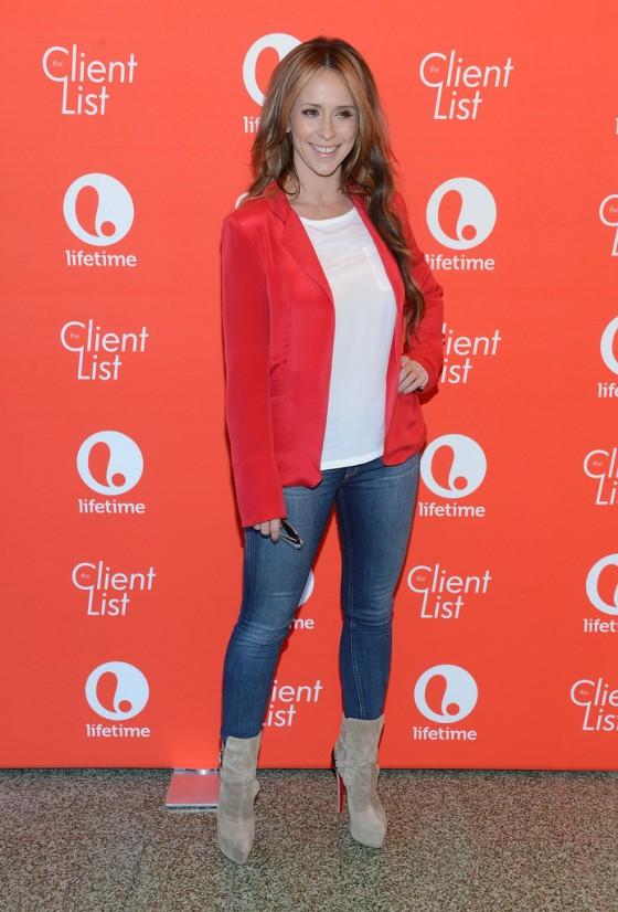 Jennifer Love Hewitt – In Tight Jeans -10