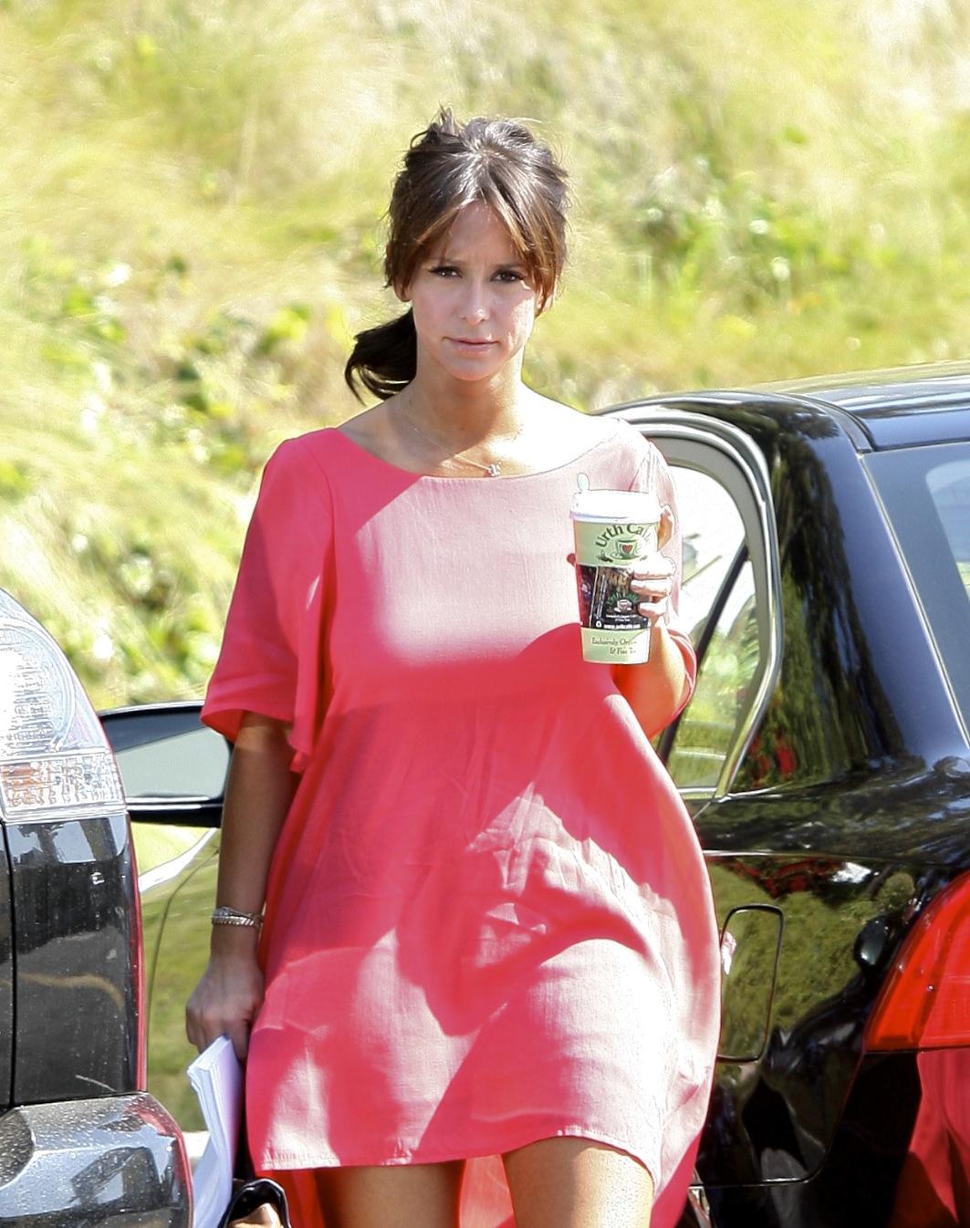 Jennifer Love Hewitt Leggy In Short Dress At The Dry Bar