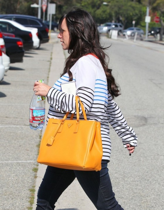 Jennifer Love Hewitt - out in Beverly Hills -01