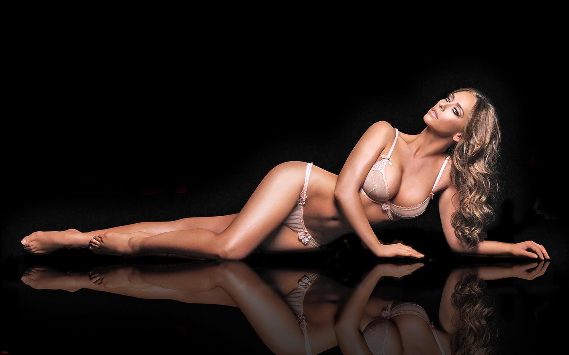 Jennifer Love Hewitt Sexy Picture 38