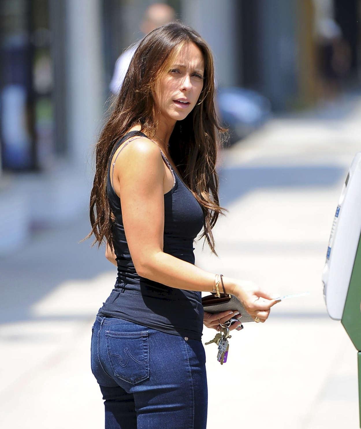 Jennifer Love Hewitt - In Jeans in L.A.-07 - GotCeleb