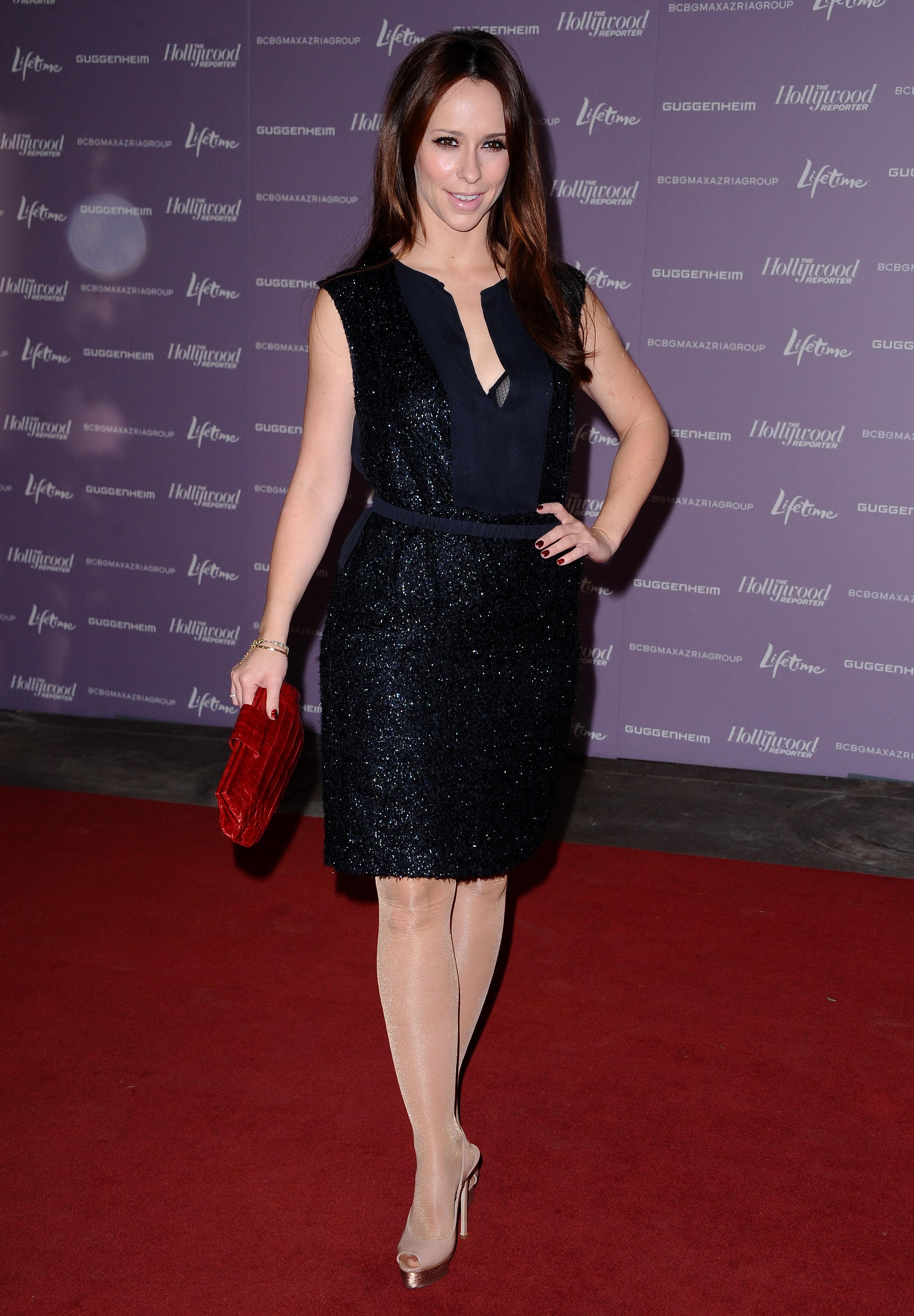 Jennifer Love Hewitt Leggy In Black Dress At Women In