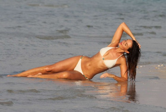 Jennifer Metcalfe - Wearing a bikini on the beach in Dubai -03
