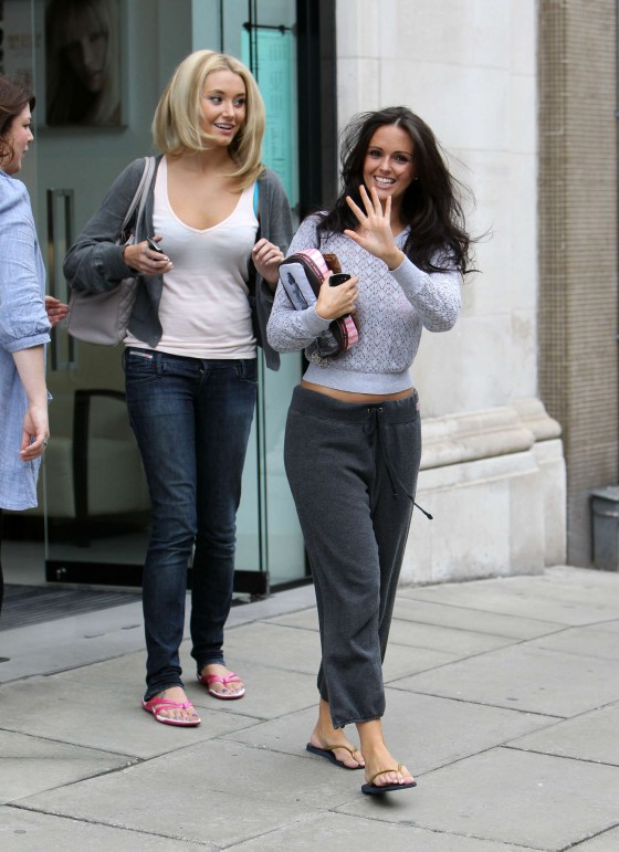 Jennifer Metcalfe in baggy track pants-17