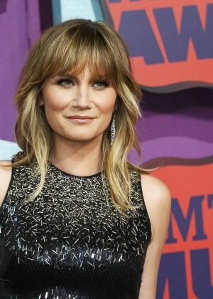 Jennifer Nettles: 2014 CMT Music Awards -03