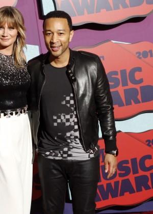 Jennifer Nettles: 2014 CMT Music Awards -04