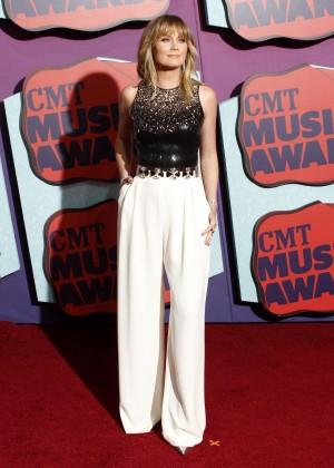 Jennifer Nettles: 2014 CMT Music Awards -09