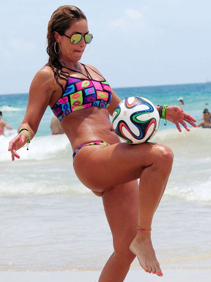 Jennifer Nicole Lee in a Bikini Playing Soccer -12