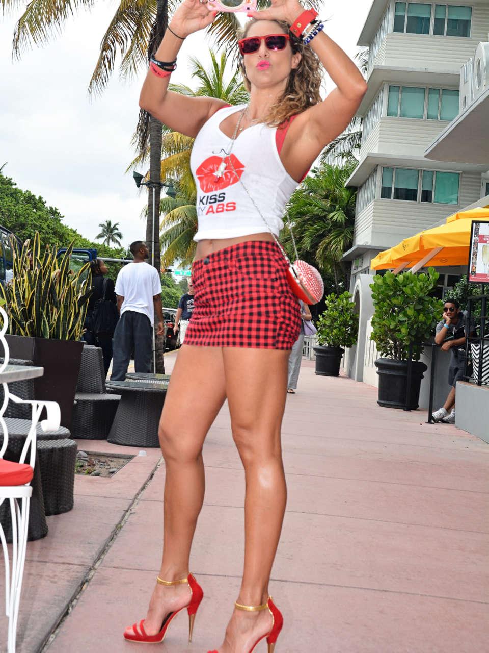 Jennifer Nicole Lee 2014 : Jennifer Nicole Lee out in South Beach -03