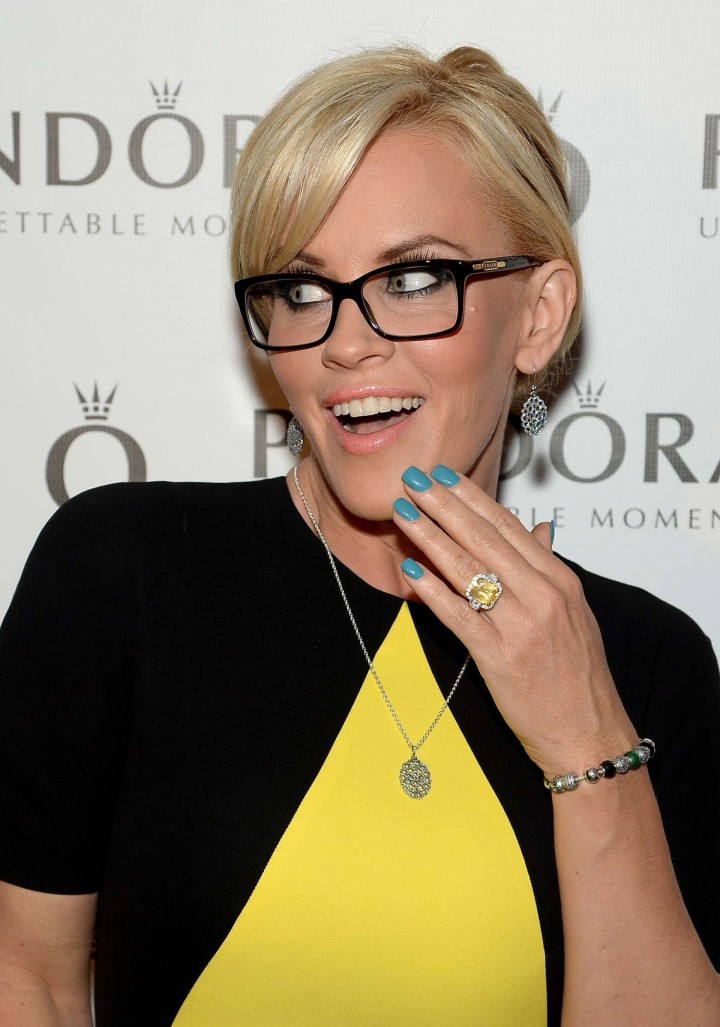 Jenny McCarthy at Pre-Mothers Day Dinner -04