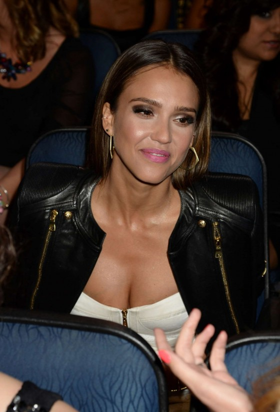 Jessica Alba: 2014 Peoples Choice Awards -08