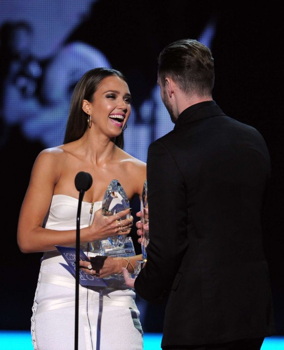 Jessica Alba: 2014 Peoples Choice Awards -18