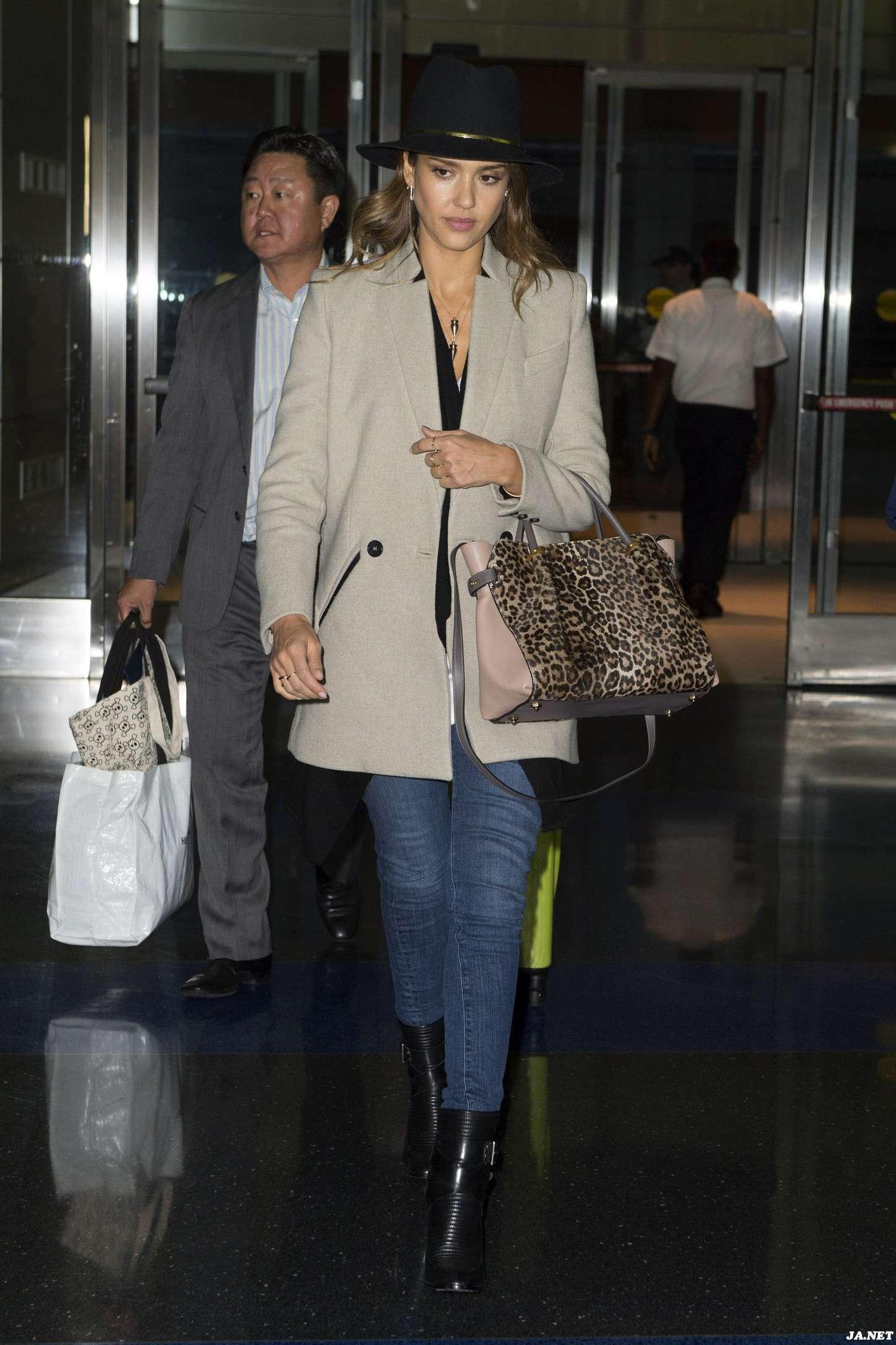 Jessica Alba - Arrives at JFK Airport in New York
