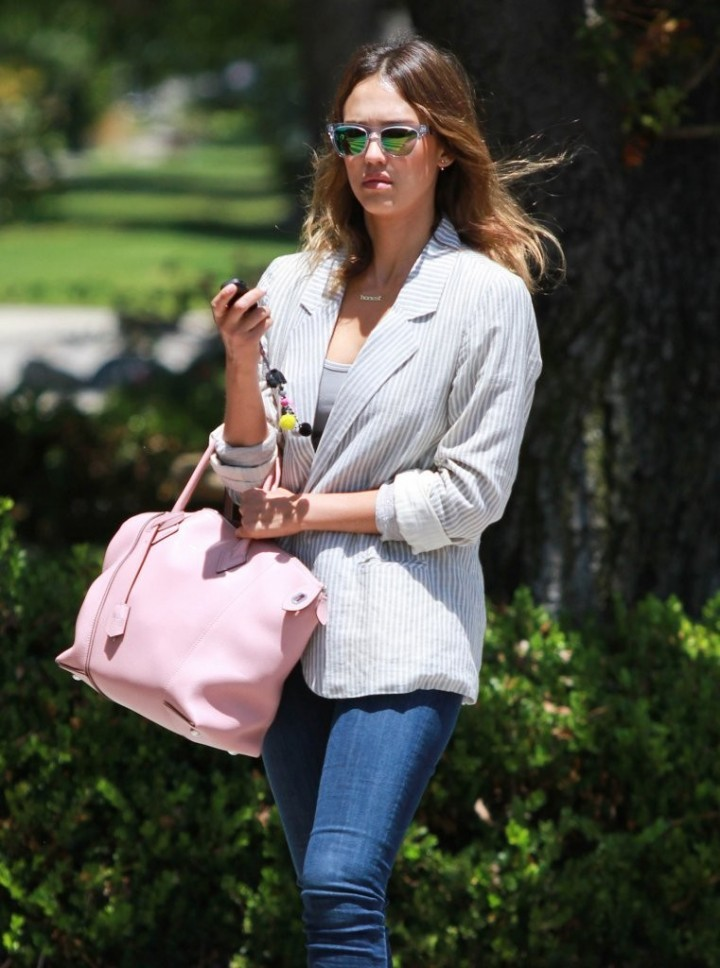 Jessica Alba at a nail salon in Brentwood - GotCeleb