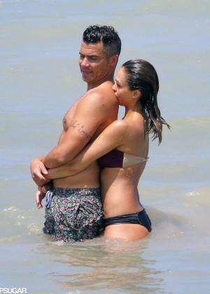Jessica Alba bikini 2014 Mexico -09