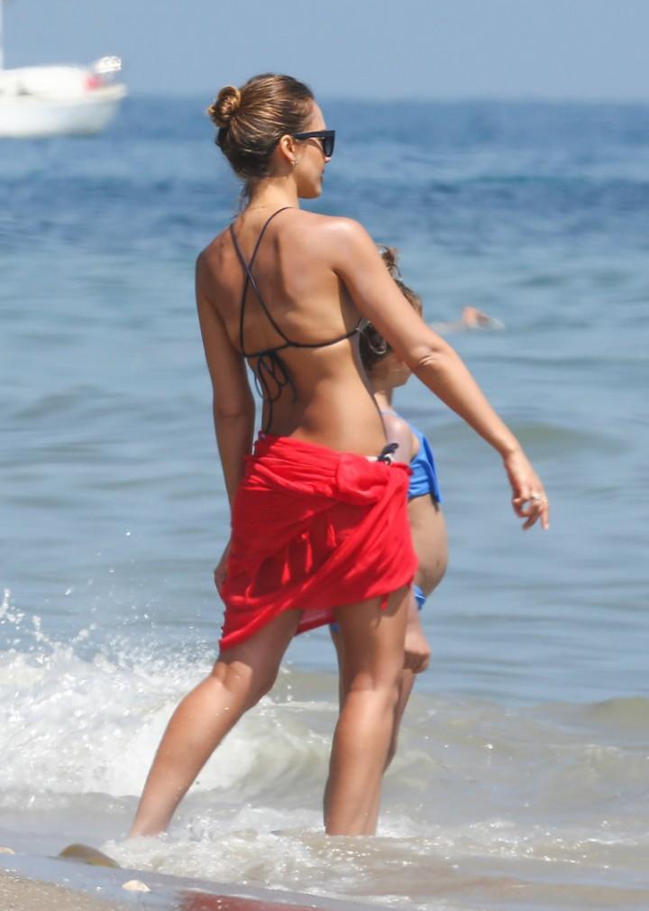 Jessica Alba bikini 2014-07