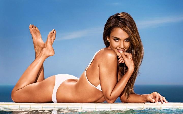 Jessica Alba Entertainment Weekly Bikini Wallpapers -04