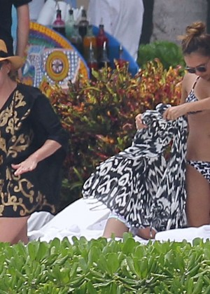 Jessica Alba Hot in a Bikini in Mexico -01