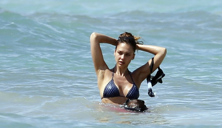 Jessica Alba HQ Bikini: in Mexico-19
