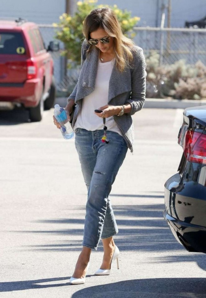 Jessica Alba in Ripped Jeans Out in Santa Monica
