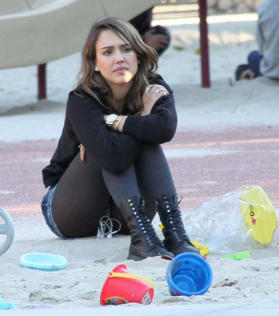 Jessica Alba In Shorts At Coldwater Canyon Park 02 GotCeleb