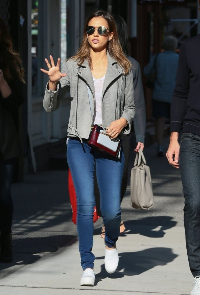 Jessica Alba in Tight Jeans out in NYC