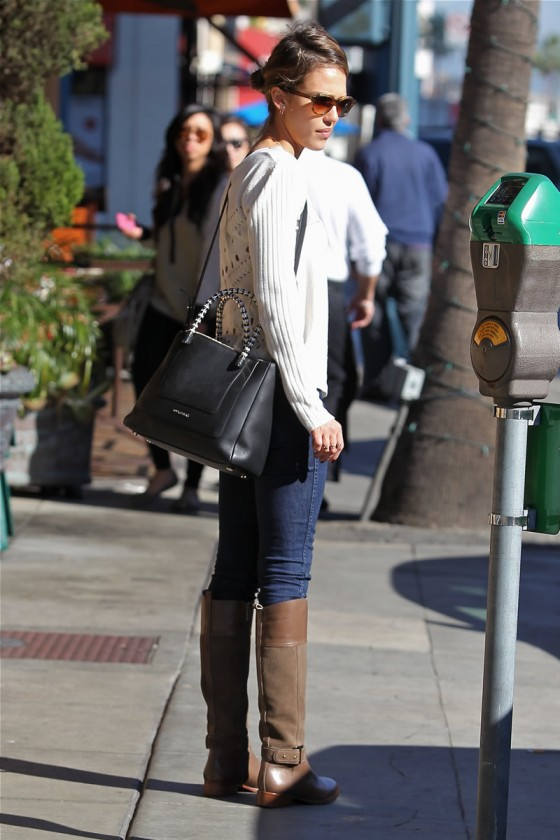 Jessica Alba – Jeans and Boots -02