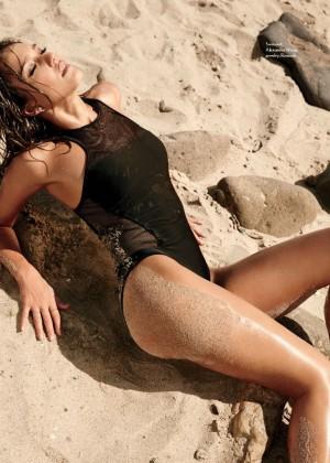 Jessica Alba in Maxim 2014 -05