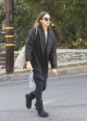 Jessica Alba - Out and about in Santa Monica