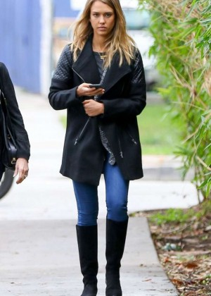 Jessica Alba in Jeans Out For Lunch In Santa Monica