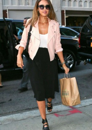 Jessica Alba - out shopping in New York