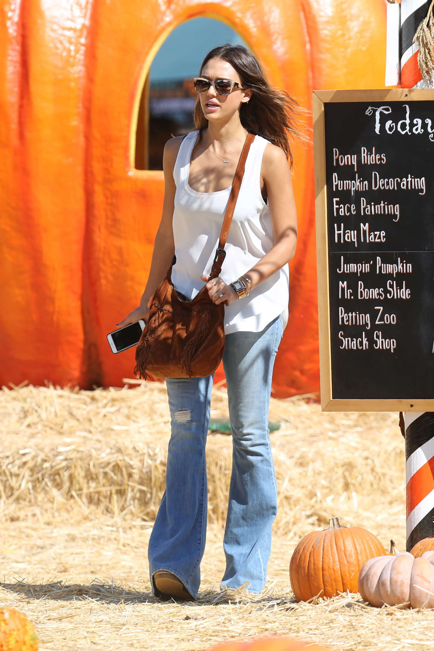 Jessica Alba in Jeans at Pumpkin Patch in West Hollywood