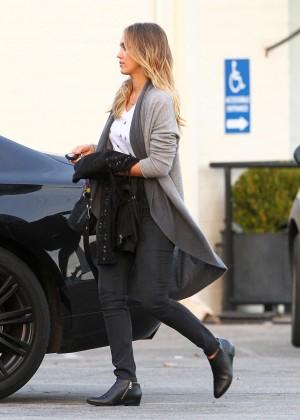 Jessica Alba Style - Out in Santa Monica
