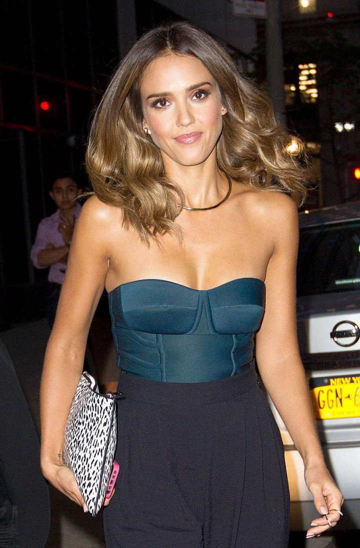 Jessica Alba - Watch What Happens Live in New York