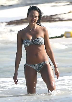 Jessica Alba bikini photos: Mexico 2014-31