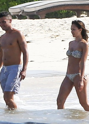 Jessica Alba bikini photos: Mexico 2014-35