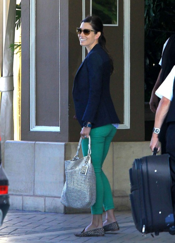 Jessica Biel - in tight green jeans at the Four Seasons in Beverly Hills