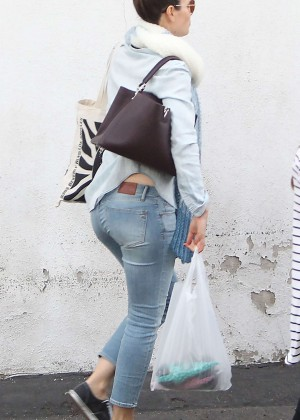 Jessica Biel in Tight Jeans out in LA